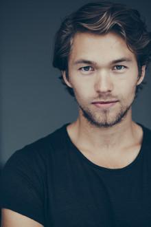 Stjärnskottet Jakob Oftebro i rollen som unge Hamilton
