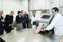 Førende fødevarecenter indviet med robotter og flæskesteg