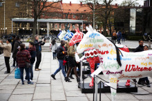 Street artist paints 10 life-size horses for Longines FEI European Championships in Gothenburg