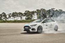 A Tour de France futamon egy ragyogó fehér Focus RS is látható lesz; a Ford ezzel ünnepli két éves együttműködését a Team Sky csapattal