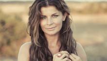 Ny profil på mama.nu – Carola Häggkvist bloggar om sin adoptionsresa