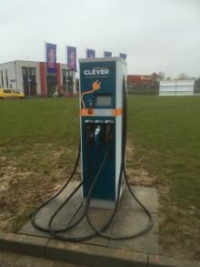CLEVER sætter strøm til hurtiglade-stationer til elbiler i Tyskland