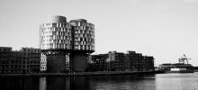 Moderne landmark med historisk kerne