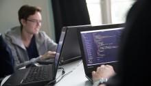 Nytt APL-samarbete ger IT-elever en fot in i säkerhetsbranschen