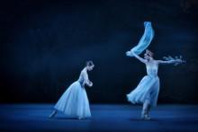 Giselle – Kungliga Baletten dansar den romantiska drömmen i tyll och tåspets