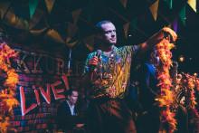 Louisiana Avenue manifesterar kärlek och Alla ska med - även om du inte hör musiken!