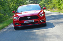 Ford Mustang ist der meistverkaufte Sportwagen der Welt; 15.000 Exemplare wurden 2016 alleine in Europa verkauft