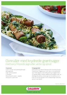 Opskrift: Ovnruller med krydrede grøntsager med karry-friterede ægnudler, ærter og spinat