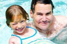 Endast 57 % av de som är simkunniga, tror att de kan simma mer än 200 meter i öppet vatten