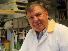 Alzinova: professor Jan Holmgren har tilldelats Sabin Gold Medal!