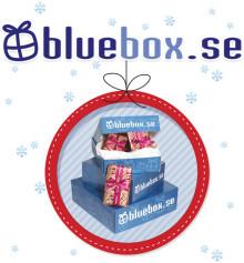 Bluebox.se förenklar julklappsinköpen med julklappstips, julrim, inslagning och datumbestämda utskick