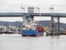 Götaälvbrons klaff fastnade - högsommarvärmen försvårar broöppning