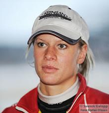 Inez Karlsson rider mot den amerikanska jockeyeliten