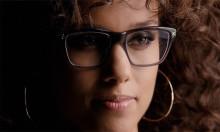 Glasögon från LensWay - en del av Alicia Keys coola look