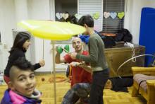 Cirkus- och fotoskola på asylboende i Göteborg