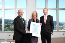 TÜV Rheinland verleiht Barmenia das Zertifikat für nachhaltige Unternehmensführung