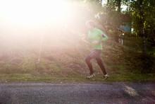Mobilen som træningsmakker: MÆND MÅLER MUSKLER, KVINDER TJEKKER KALORIER