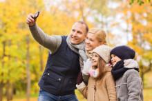 Ferieklar: Hver generation har sine mobilvaner
