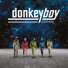 Donkeyboy är tillbaka med efterlängtade albumet Silver Moon som släpps i början av mars i Sverige. Första singeln City Boy har precis gått till radio.