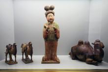 Spektakuläre Schenkung von Dr. Heribert Meurer: 200 Objekte frühchinesischer Keramik.