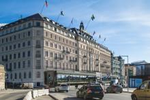 Grand Hôtel byter skepnad med ny fasad