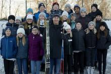 Olympier inspirerar barn i Östersund att nå  100 varv runt jordklotet för en bättre värld