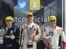 Oscarsson tillbaka i Clio Cup-toppen efter dramatik i Finland
