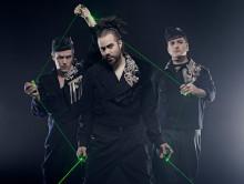 Laser, TV-spel och musik i fartfylld nycirkusshow