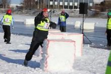 Hårda fighter när SM i Yukigassen startade i Luleå