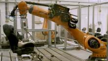 """Robotrumpan """"Robutt"""" ser till att Fords bilsäten klarar av svettiga motionärer"""