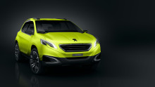 Produktoffensiv i Peugeots läckra monter på bilsalongen i Paris