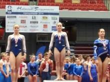 NM i artistisk gymnastik - nära storslam för Sverige i dagens mångkamp;  Emma Larsson individuellt guld