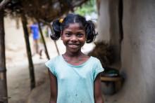 Nu får de läsa läxorna på sitt eget språk - Barnen i Bangladesh i fokus för årets Barnens rätt-kampanj