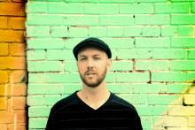 Matt Simons hylder hverdagens blå glimt i VEGA