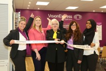 Local charity volunteer urges residents to have regular eye tests as new Leicester optician launches