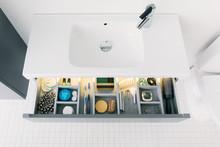 Toimiva kylpyhuonekaluste on vaivaton asentaa