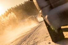 Oikea rengas oikeisiin olosuhteisiin – nämä kannattaa muistaa ostaessa talvirenkaita
