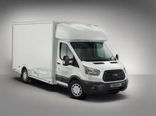 Az új Ford Transit könnyített szerkezetű fülkés alvázkivitel alacsony platómagassággal, és 200 kilóval nagyobb teherbírással készül
