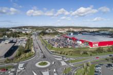 Bygg-Göta stärker sitt fastighetsinnehav och förvärvar Bauhaus i Sisjön, Göteborg. Säljare är en av de större aktörerna i Sisjön Alaska Fastigheter.