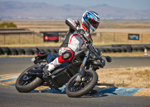 KTH-Forskare tävlar med elmotorcykel i Pikes Peak