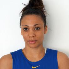 Sveriges dambasketlag gör en heroisk insats mot hemmanationen Ryssland i Universiaden.