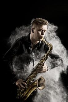 Energifylld jazz med prisad stjärnsaxofonist