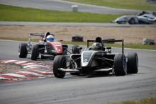 Dubbelseger för Erik Johansson i Formel Renault 1,6 i Falkenberg