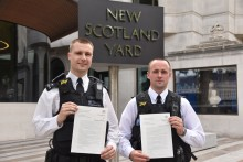 Officers who stopped a criminal on a moped awarded commendations