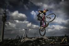 Extremcyklingens superproffs till Uppsala
