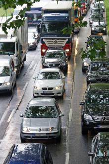 Straßenverkehr: Rettungsgasse und weit verbreitete Irrtümer