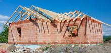 Regeringen vill avskaffa den obligatoriska byggfelsförsäkringen