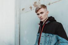 """Elias Hurtig släpper debutsingeln """"Är du dum"""""""