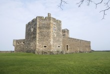 Outlander author recognised with national tourism award