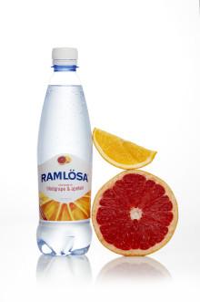 Ramlösa presenterar sin nya smak: Kärleksfulla apelsiner och solmogen blodgrape i flaska